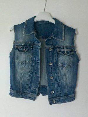 Jeansweste von Guess. Größe 34/36