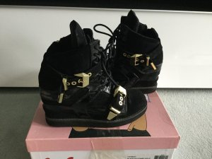 Jeffrey Campbell Black & Gold Buckle Iverson Wedge Sneaker mit OVP - Gr.39