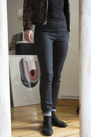 Jeggings von H&M – Divided