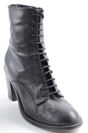 Jennifer Weist (jennifer rostock) Topshop Reißverschluss-Stiefeletten schwarz Casual-Look
