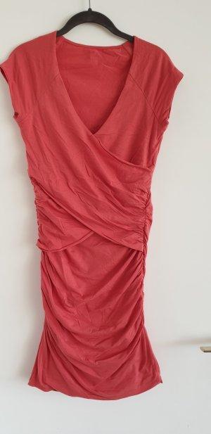 Jersey Kleid mit seitlicher Raffung und raffiniertem Ausschnitt, Mango, Korallenfarben, Gr. M, Baumwolle