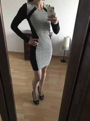 Jersey Mini Langarm Kleid Jaquardmuster Schwarz Weiß