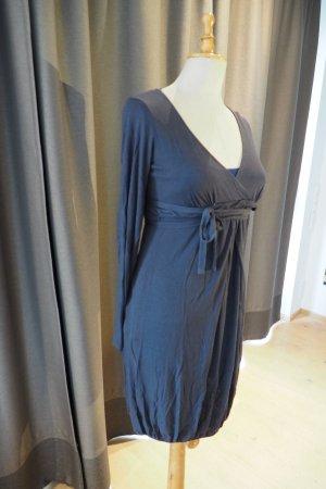 Jerseykleid für jede Jahreszeit in grau
