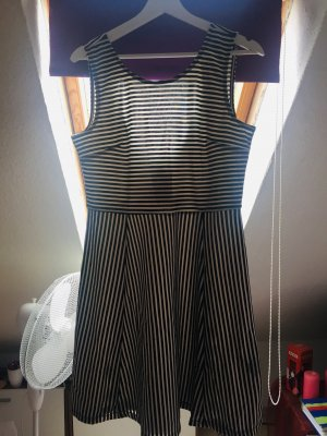 Jerseykleid gestreift