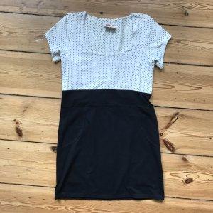 Jerseykleid mit Polkadots aus Jerseystoff