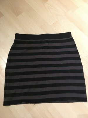 QS by s.Oliver Pencil Skirt black-grey