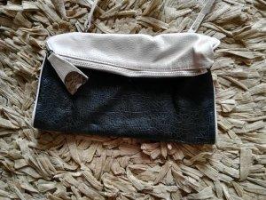 Jessica Simpson Handtasche klein, schwarz beige mit langen Riemen
