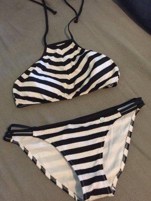 Jette Bikini
