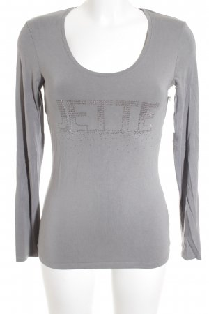 Jette Manga larga gris look casual