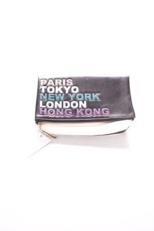 Jimmy Choo Clutch Schriftzug gedruckt Street-Fashion-Look