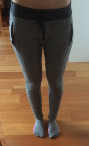 Zara Pantalón tipo suéter negro-gris