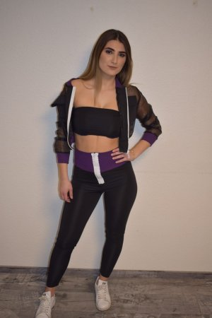 pantalonera violeta oscuro-negro