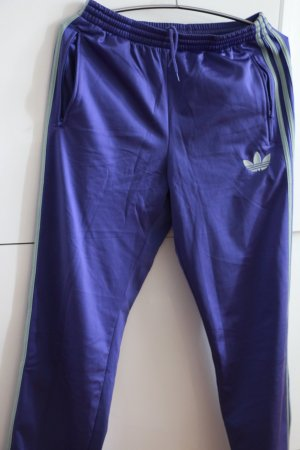 Jogginghose Adidas, lila mit grauen Streifen
