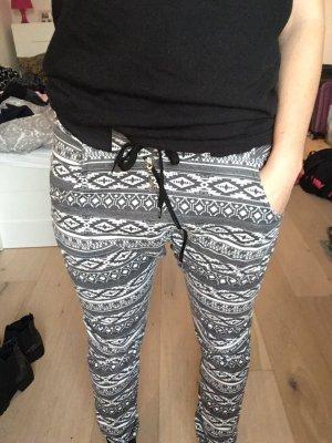 Pantalón abombado gris-blanco