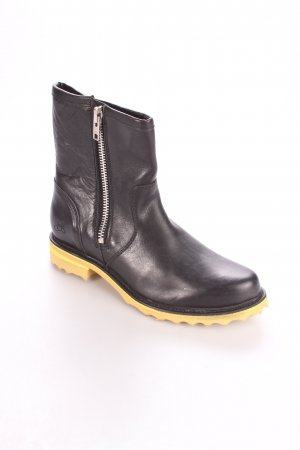 John Fluevog Botas bajas negro-amarillo look casual