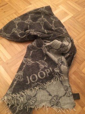 Joop Schal