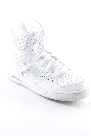 Jordan High Top Sneaker weiß-grau Schriftzug gedruckt sportlicher Stil