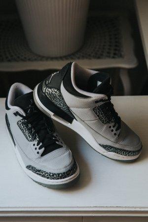 Jordan III 3 Wolf Grey Limited
