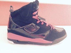 Jordan Retro schwarz pink