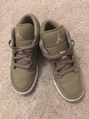 Jordan's 1 Sneaker