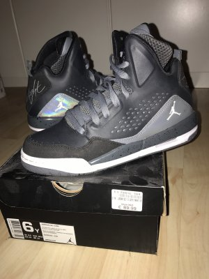 Jordan Sneaker gr, 38,5