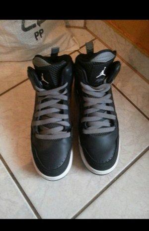Jordans flight schwarz