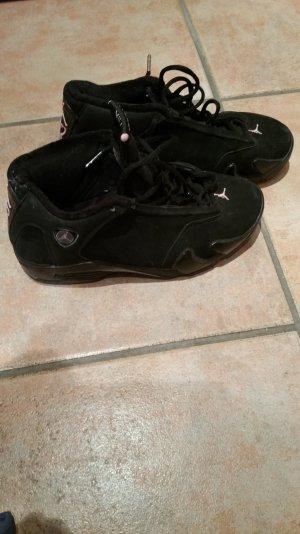 Jordans in schwarz/pink