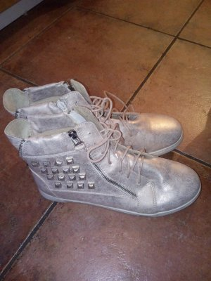 Jucks artige Schuhe mit reisverschluss ( deko )