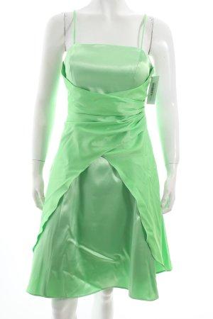 Juju & Christine Abendkleid hellgrün Eleganz-Look