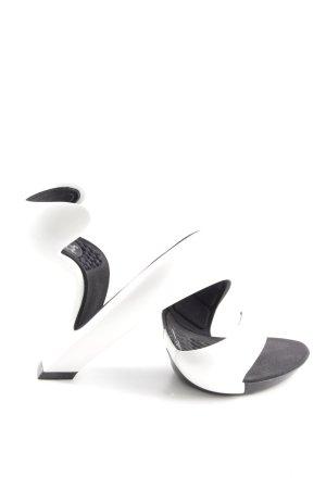Julian Hakes Escarpin à boucle blanc-noir style extravagant