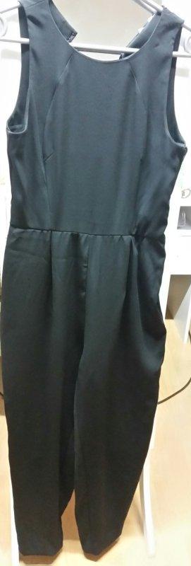 Jumpsuit von H&M/ schwarz