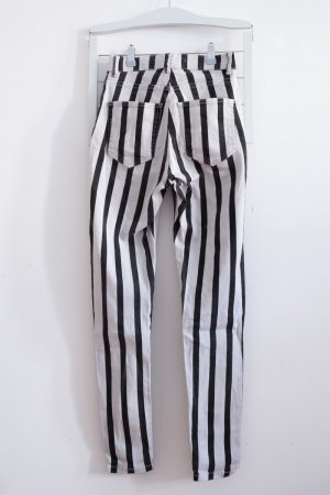Just Female / schwarz weiss gestreifte Skinny Jeans