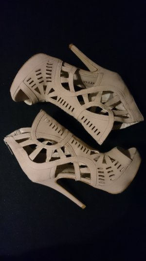 JustFab High Heels NEU