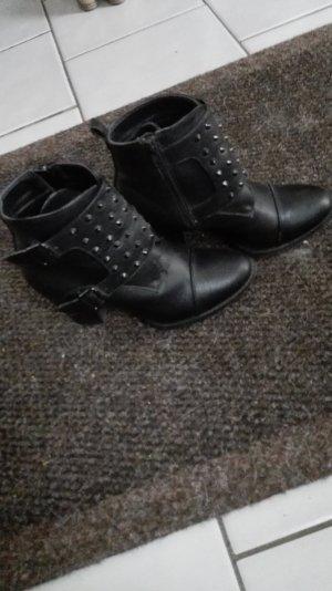 Justfab Schwarze Ankle Boots Stiefeletten mit Nieten Größe 40