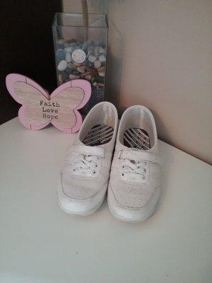 Kampagne Schuhe weiß