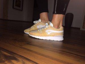Kangaroos Sneaker neu