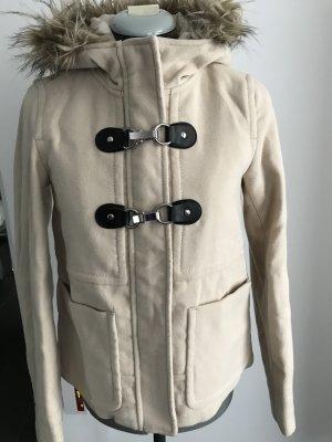 Kapuzenjacke in wollweiss Farbe aus Polyestern,Viskose und Elastanmischung.