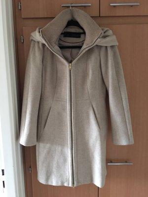 Zara Basic Abrigo con capucha crema-beige