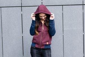 Kapuzenpulli-Jacke mit Reißverschluß von Allianz