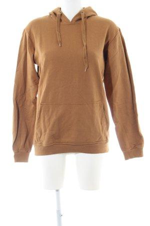 Jersey con capucha marrón arena look casual