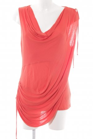 KAREN MILLEN Top largo rojo look casual