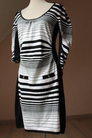 Karen Millen Strickkleid schwarz weiß Blockstreifen 1/2 Arm Gr. 38 40
