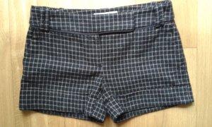 Karierte herbstliche Shorts von Zara