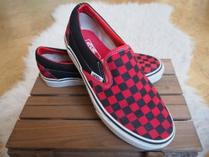 karierte schwarz - rote Vans Classic Slip On