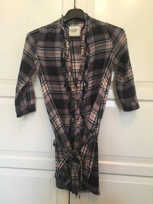 Kariertes klassisches Blusenkleid