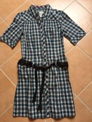 Kariertes Kleid mit Gürtel