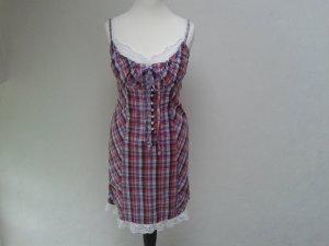 Kariertes Kleid mit weißem Spitzeneinsatz