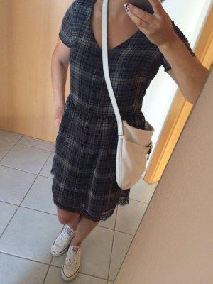 Kariertes Kleid von Mango