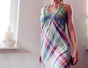Kariertes Surfer Kleid im Neckholder-Style von Billabong