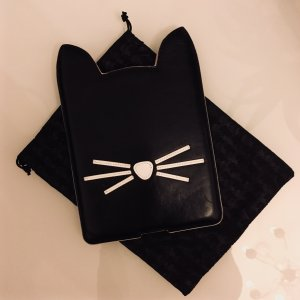 Karl Lagerfeld iPad mini Katzen–Hülle Cover Case in schwarz–weiß Leder